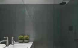 doccia Lacobel grigio con specchiera.
